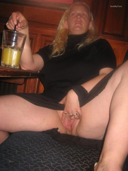 Mature pussy show — pic 15